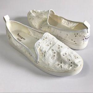 UGG Koolaburra Amiah slip on eyelet white shoe 10